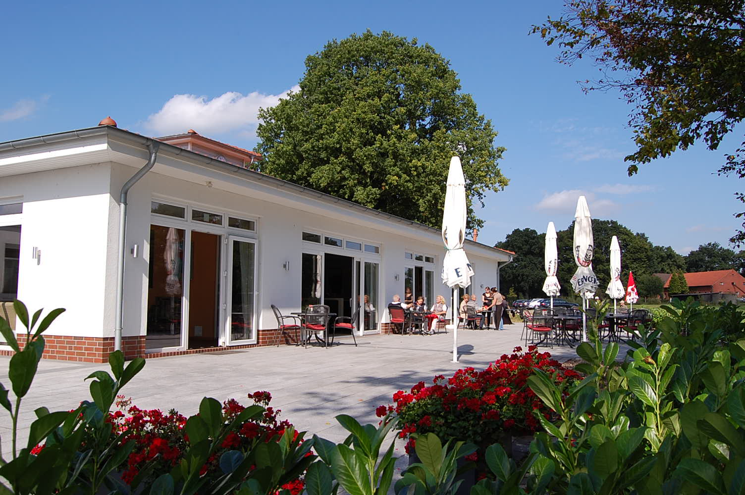 Terrasse Clubhaus Golfclub Bremer Schweiz